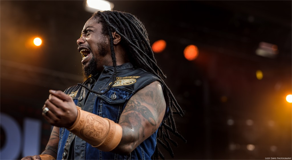 Sevendust's set at Welcome to Rockville 2016. LJ Witherspoon photo by ©Lizzy Davis Photography.