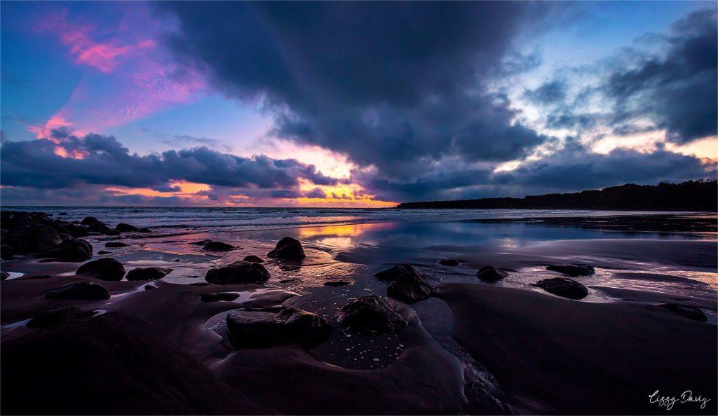 Sunset at Opunake Beach, New Zealand. | Lizzy Davis Photography