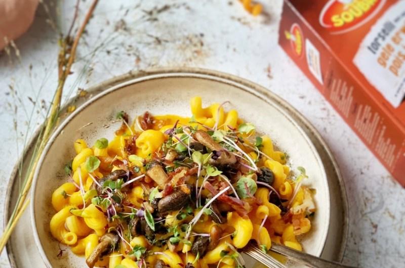 Torselli met pompoensaus, shiitake, pancetta en melange van pittige Brusselse kruiden