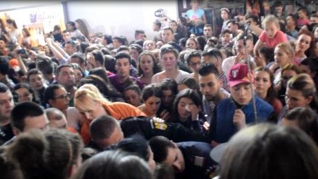 DOSAR PENAL după concertul Carla's Dreams de la Piatra Neamţ, unde mai multe persoane au leşinat