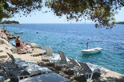 apartments-ljiljana-beach-deckchair-03