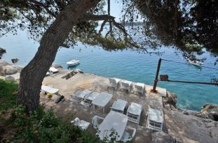 apartments-ljiljana-beach-deckchair-05