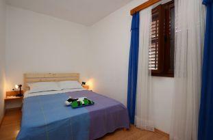 ljiljana-blue-apartmet-bedroom2-06-2016-pic-01