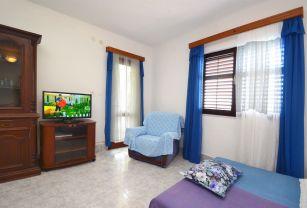 ljiljana-blue-apartmet-livingroom-06-2016-pic-02