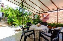 ljiljana-marrone-terrace-06-2020-02