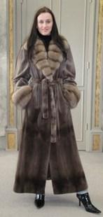Зимнее меховое пальто фото
