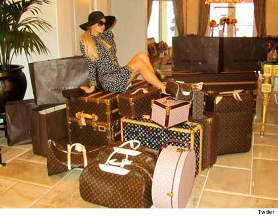 0630_paris_luggage