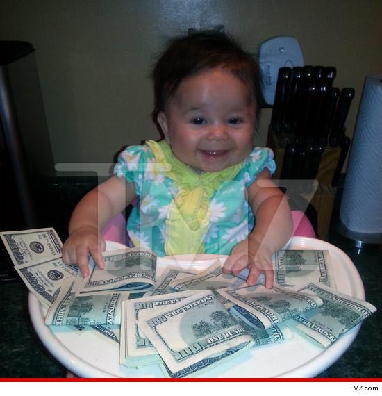 1022-amabella-Pauly-D-money