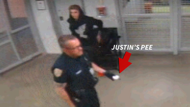 Justin Bieber Peeing Behind Bars Jails Got More