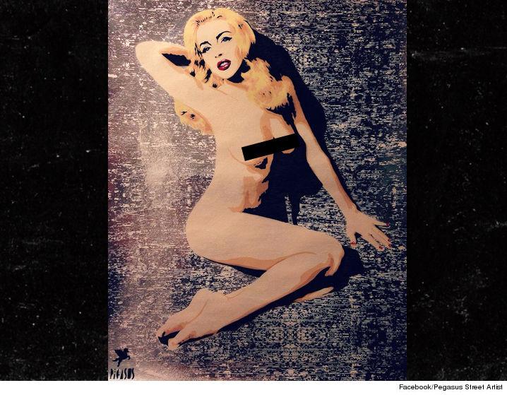 0726-lindsay-lohan-pegasus-street-art-naked-01
