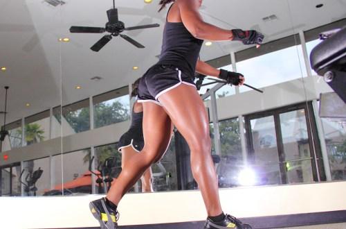 woman doing plyometric leg exercise