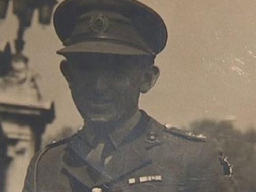 CAPTAIN ROY WOOLDRIDGE, FORMER LLANELLI GRAMMAR SCHOOL PUPIL FROM HENDY, WHOSE LIFE WAS SAVED BY FIELD MARSHALL ERWIN ROMMEL, WW2 JUNE 1944.