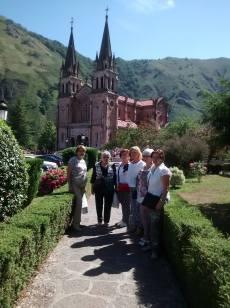 Excursión a Covadonga y Ribadesella. Asociación El Arbeyal (4)