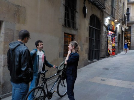 Oriol giving Leandro and Joke a historical tour through Barcelona City!
