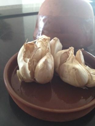 garlic in roaster
