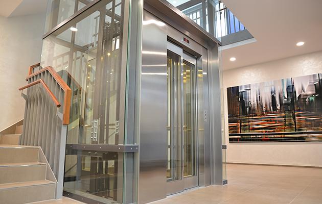Lloyds British - Passenger Lift