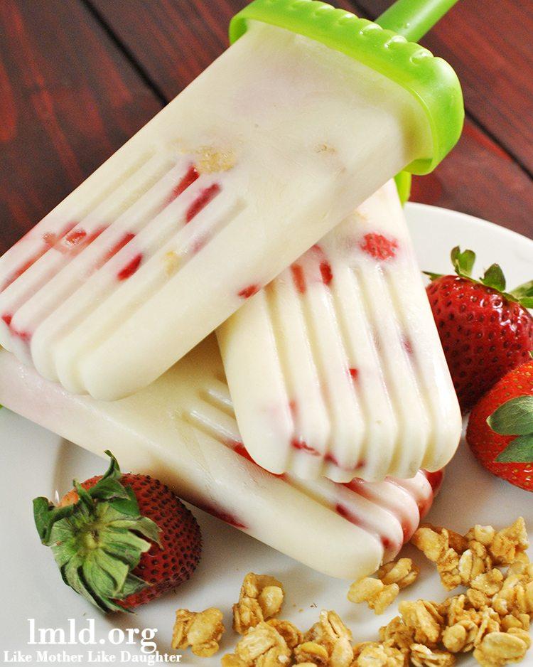 Strawberry Granola Yogurt Popsicle