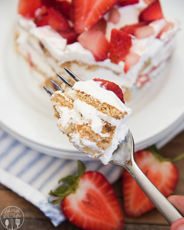 Super easy strawberry icebox cake with 3 delicious layers!