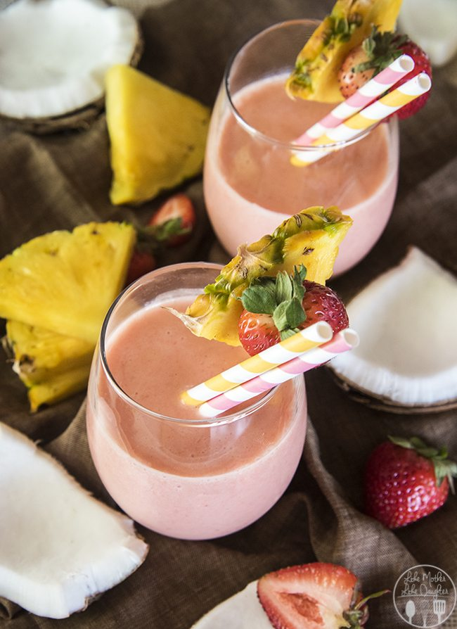 strawberry pina colada smoothie 2