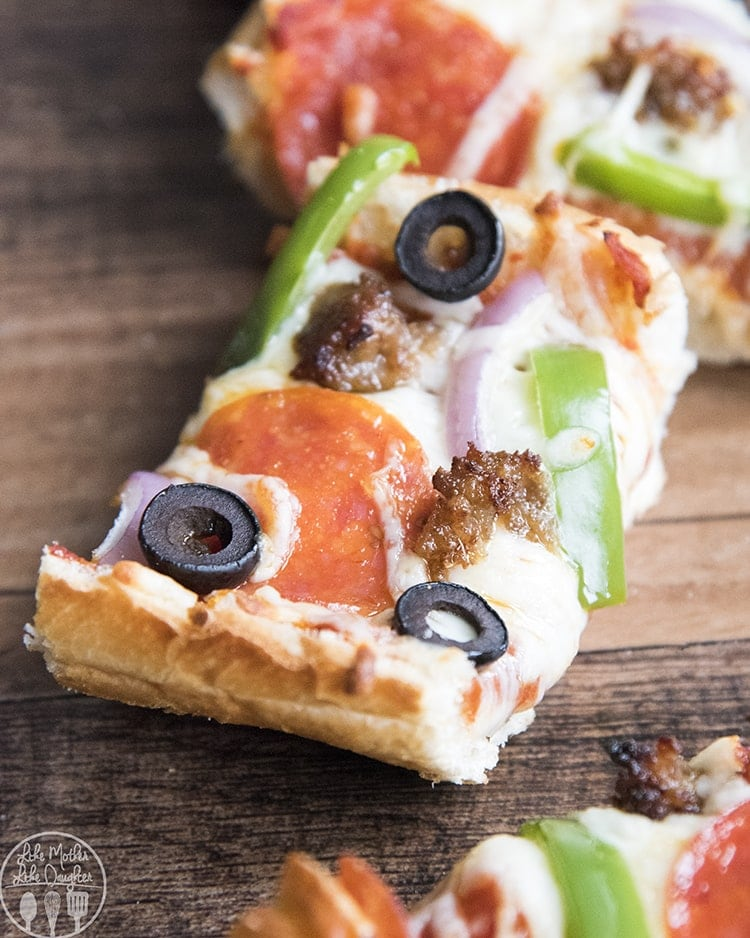 French bread pizza is the perfect way to have homemade pizza in only 20 minutes. With a crusty french bread crust, topped with your favorite pizza toppings!
