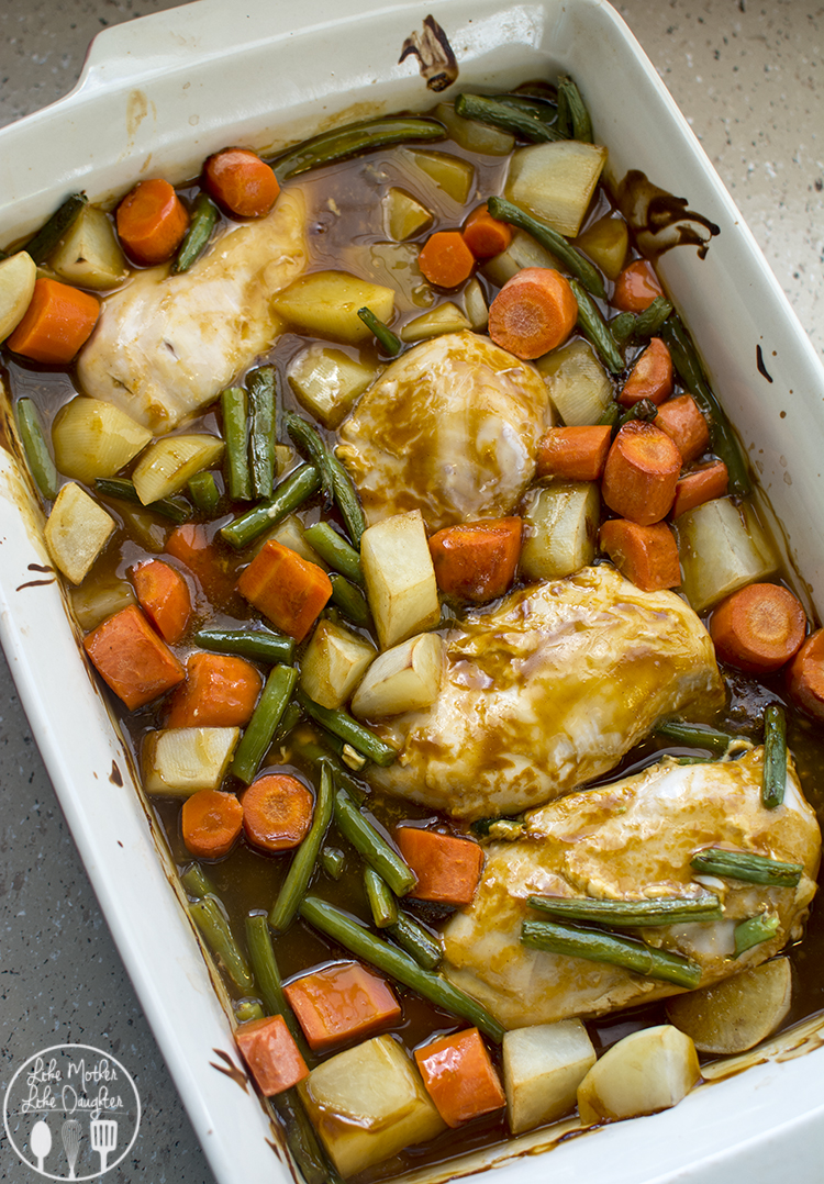 Easy Oven Roasted Chicken Breast - this delicious and easy oven roasted chicken breast meal is ready in less than an hour for a hot and comforting meal your family will love.