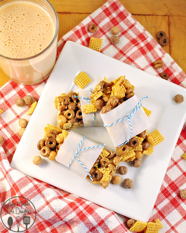 """PB & Honey Breakfast Bars - Peanut butter, honey and chocolate with favorite cereals for a delicious """"on the go"""" breakfast bar!"""