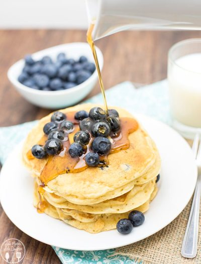 greek yogurt blueberry pancakes1