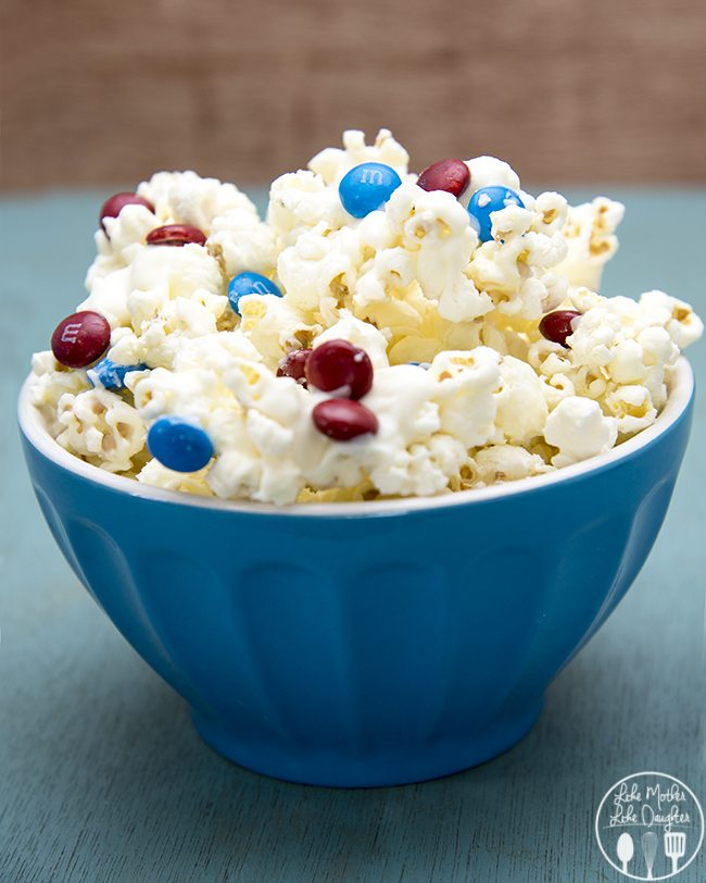 patriotic white chocolate popcorn 4