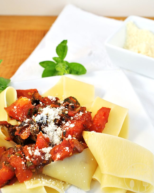 Garden Fresh Tomato and Herb Pasta - Fresh picked tomatoes, freshly snipped herbs makes this pasta meal perfect.  It is quick and easy too.