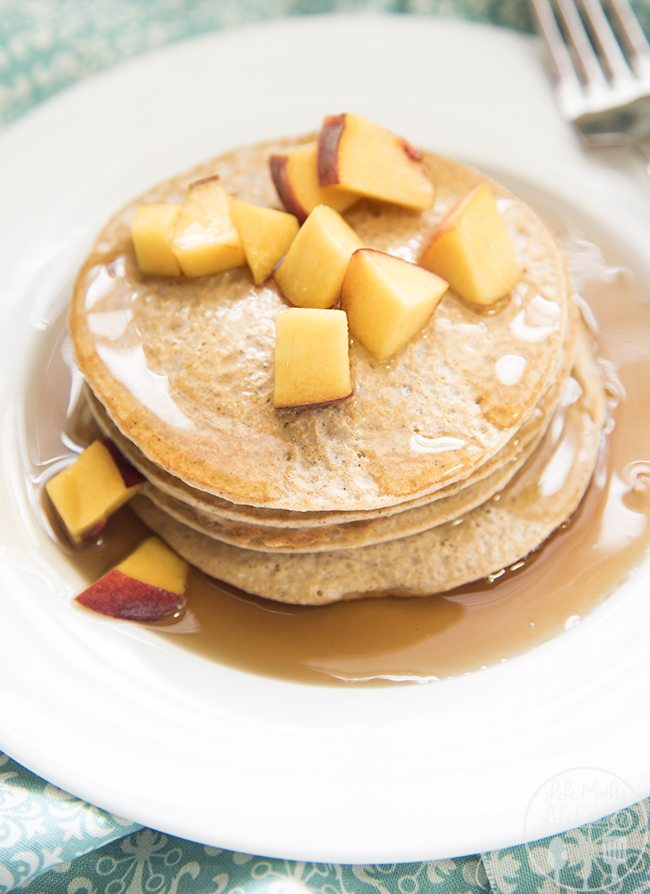 Biggest Loser Pancakes - You'll be surprised by the ingredients in these delicious and healthy pancakes. Perfect for breakfast or dinner!