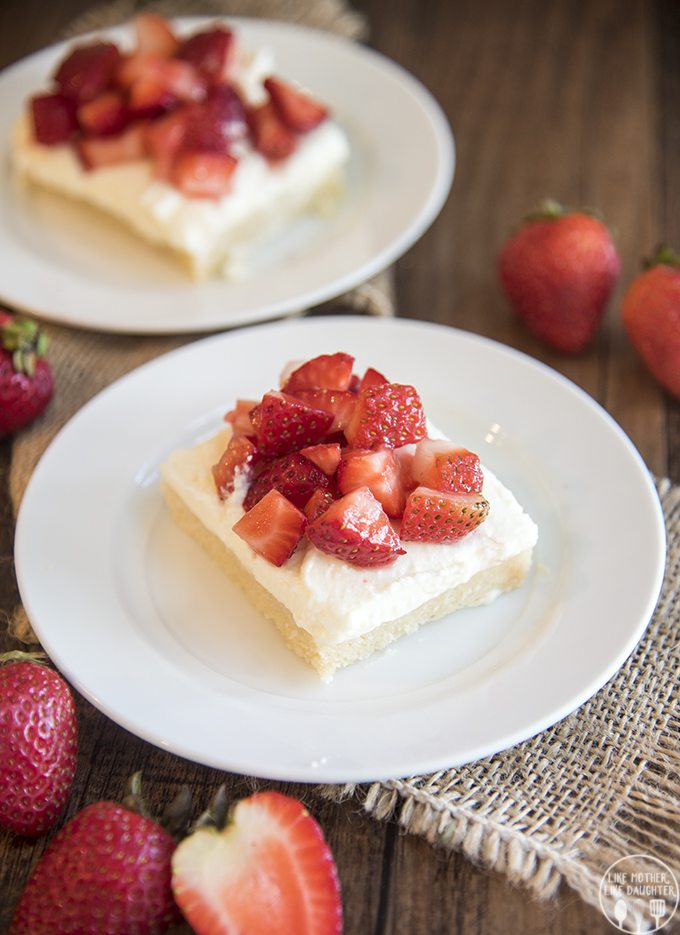 strawberry shortcake sugar cookie bars 2