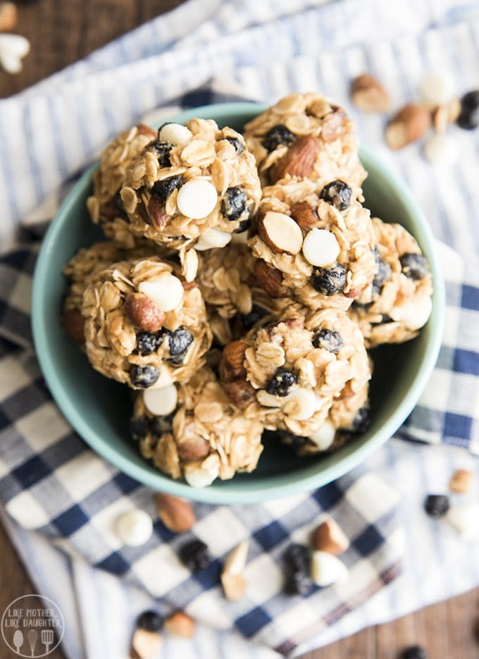 These blueberry almond white chocolate chip granola bar bites are an amazing healthier treat made with only 6 ingredients, great for a portable snack!6