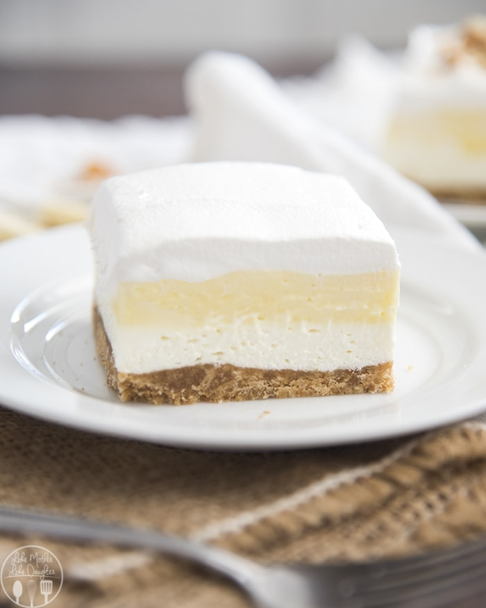A delicious banana cream dessert with 4 delicious layers!
