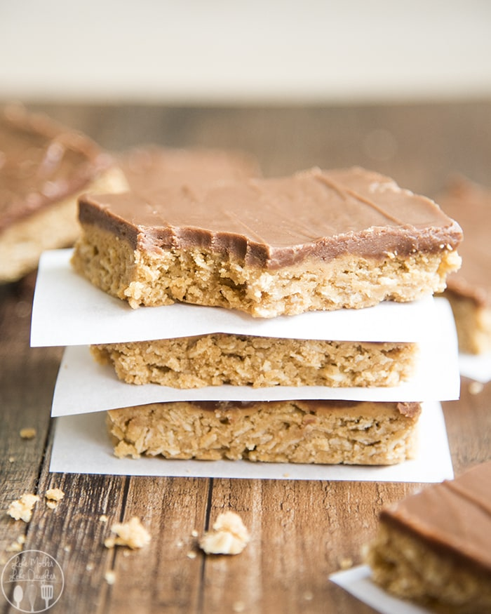 These oatmeal peanut butter bars are the perfect treat that everyone will love!