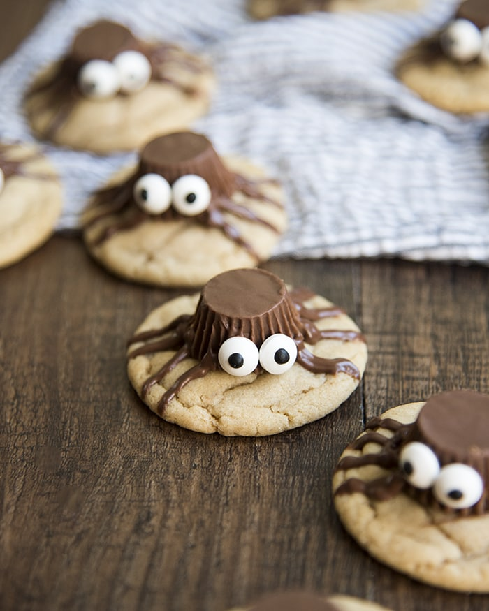 Peanut Butter Cup Cookies that look like spiders