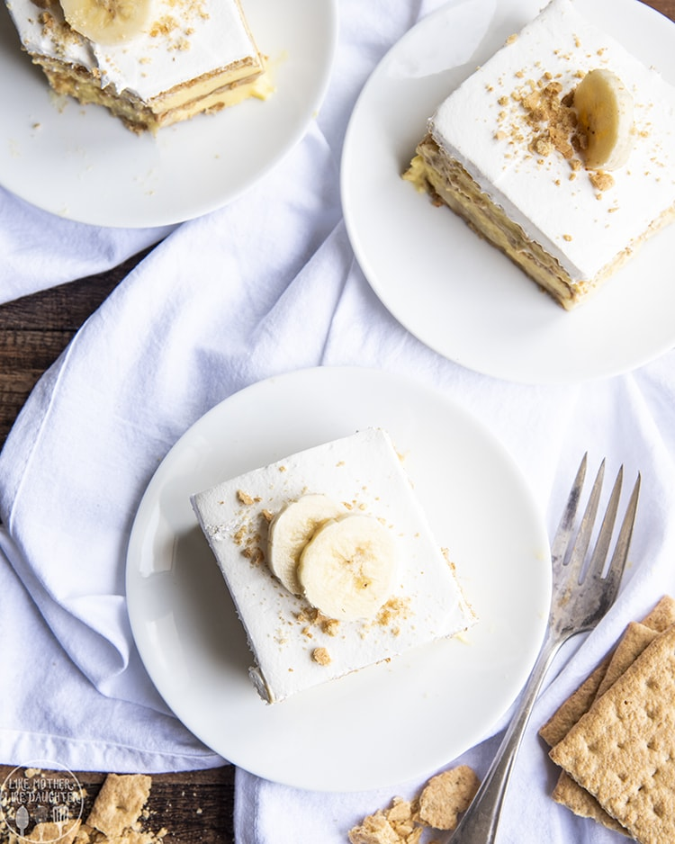 Banana Icebox cake made with only 5 ingredients for an easy dessert
