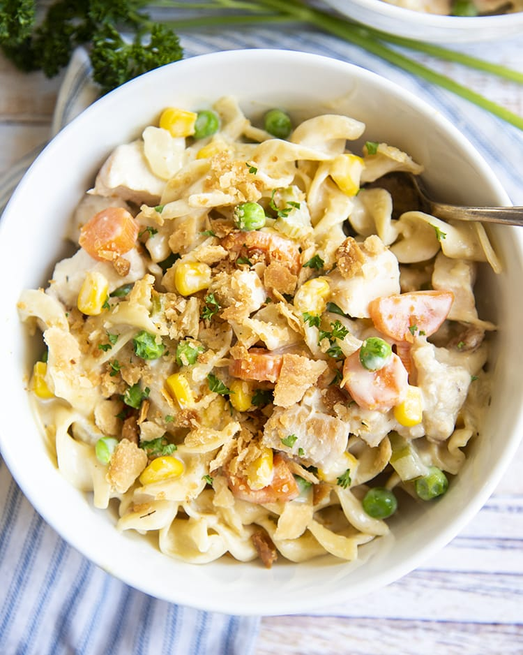 A bowl of chicken pot pie pasta