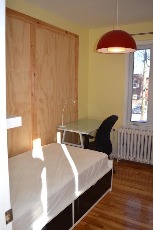 Chambre - lit simple - Appartement meublé de 5 chambres à Montréal | LM Montréal.