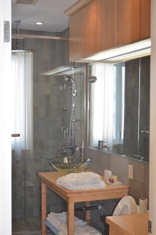 Salle de bains - Appartement meublé de 5 chambres à Montréal | LM Montréal - Location meublée à Montréal.