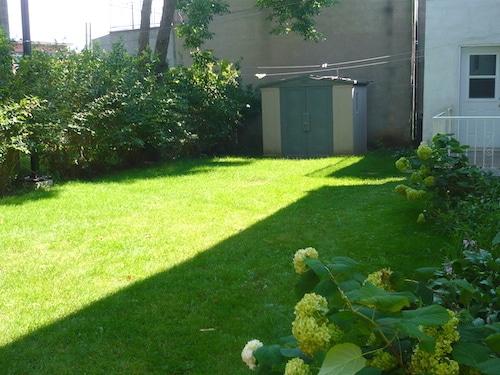 jardin de l'appartement meublé 2 chambres montréal, LM Montréal, quartier Sud-Ouest de Montréal, location temporaire