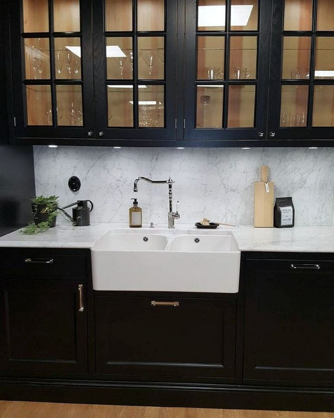 10 Stylish Black Kitchen Interior Design Ideas For Kitchen 27