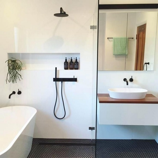 14 Delightful Bathroom Tub Shower Combo Remodeling Ideas 02