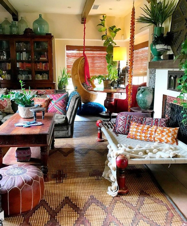 14 Incredible Colorful Bohemian Living Room Ideas For Inspiration 42