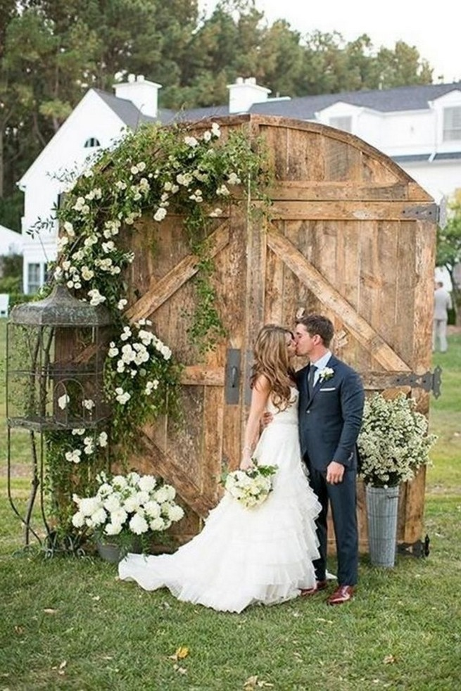 15 Rustic Backyard Outdoor Wedding Ideas 51