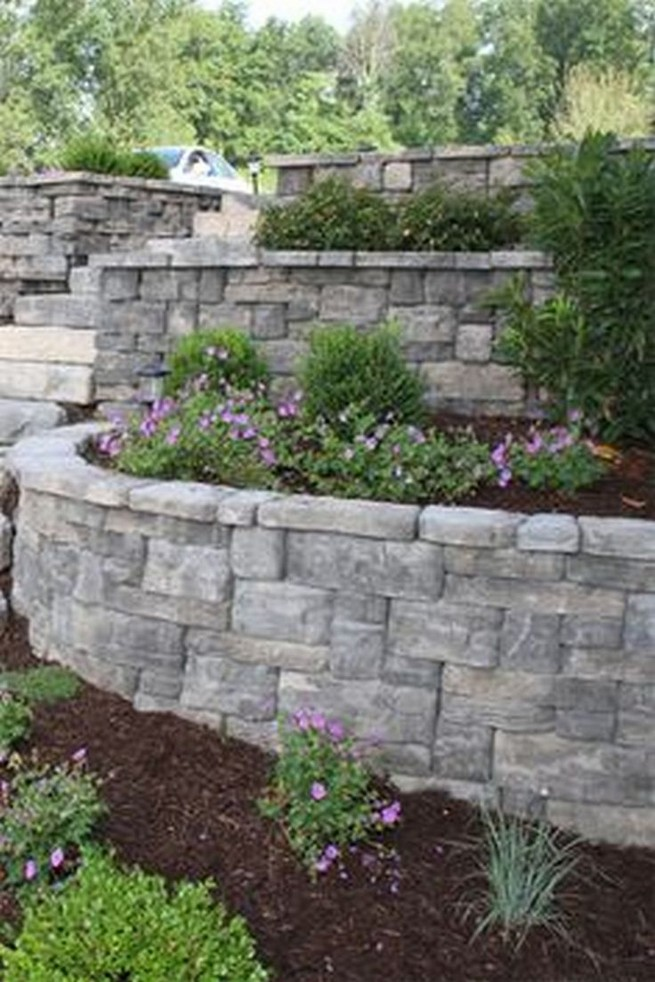 16 Delicate Garden Landscaping Design Ideas Using Rocks Stone 13