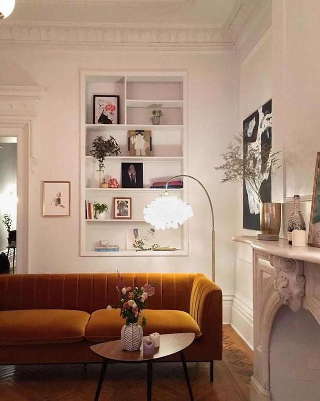 16 Elegant Living Room Shelves Decorations Ideas 27