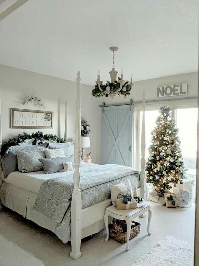12 Unique Farmhouse Bedroom Remodel Ideas 24
