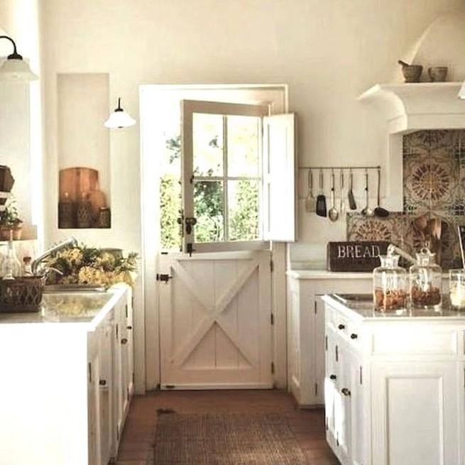 13 Creative Farmhouse Kitchen Decor Ideas 21