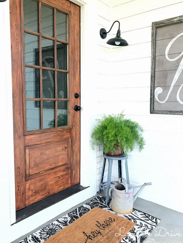 14 Creative Front Doors Decor Ideas 04