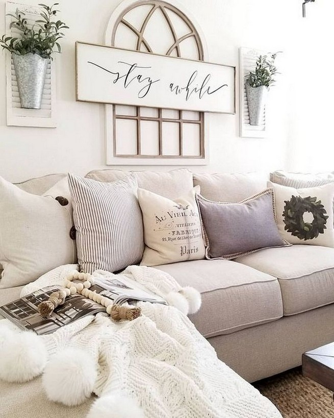 14 Elegant Living Room Wall Decor Ideas 31